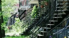 montreal stairs - Recherche Google Backyard Privacy, Garden Bridge, Photos, Stairs, Outdoor Structures, Google, Urban Landscape, Ladders, Pictures