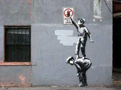 street-art-Banksy-Graffiti-is-a-crime-New-York-Octobre-2013-610x457.jpg (610×457)
