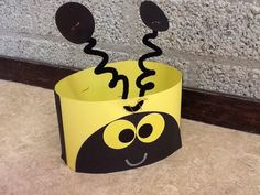 """Bee Hats: school mascot hats! Would be a fun first project with kinders...""""Welcome New Yellowjackets!"""""""