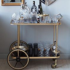 Love this vintage drink cart 🍸 Bar Cart Styling, Flat Ideas, Old World Style, Beautiful Interior Design, New Living Room, House Rooms, Interior Inspiration, Interior And Exterior, Iron Chairs