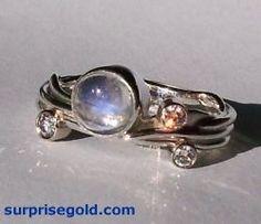 Wedding ring. Moonstone and rhodonite.