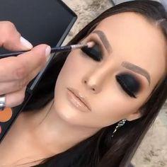 Glitter Face Makeup, Black Lipstick Makeup, Dark Lipstick, Halloween Face Makeup, Beautiful Eye Makeup, Simple Eye Makeup, Makeup Pro, Beauty Makeup, Punk Rock Makeup