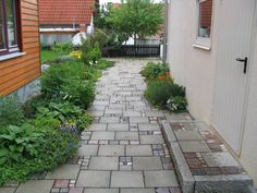 result for alte waschbetonplatten neu angebracht - Helene Di Salvo- Side Yard Landscaping, Backyard Walkway, Garden Pavers, Garden Edging, Landscaping With Rocks, Lawn Edging, Indoor Greenhouse, Side Garden, Mosaic Garden