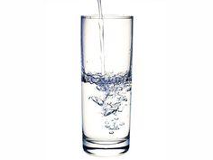 Beneficios de tomar agua tibia en ayunas | Sentirse bien es facilisimo.com