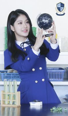 [OFFICIAL] 180125 Genie Music Magazine - fromis_9's 1st Mini Album <To heart> Behind South Korean Girls, Korean Girl Groups, Music Magazines, I Love Girls, Mini Albums, Idol, School, Heart, Fun