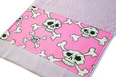 Lilac and Hot Pink Skulls Bath Towel 40 cm x 60 by Pornoromantic