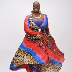 Sonya Renee Taylor  25 Women Of Color Who Paved The Way for Body Positivity & Plus Size Fashion http://thecurvyfashionista.com/2016/05/women-of-color-body-positivity-plus-size-fashion/