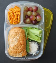 Easy and YUMMY lunch box ideas packed in EasyLunchboxes Kids Lunch For School, Healthy School Lunches, Lunch To Go, Work Lunches, Bento Box Lunch For Adults, Lunch Kids, Cheap Clean Eating, Clean Eating Snacks, Healthy Eating