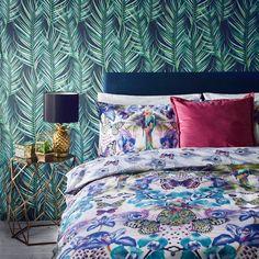 We love this pineapple palm leaf wallpaper! Common Interior Design Mistakes and How to Avoid Them - balance feature wallpaper with colour and pattern in the rest of the room Cool Room Decor, Cool Rooms, Bedroom Decor, Kids Bedroom, Modern Wallpaper Designs, Contemporary Wallpaper, Wall Paper Decor, Passion Deco, Cute Bedroom Ideas