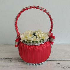 Basket with flowers/gifts souvenirs beloved/giftbox/basket artificial flowers/home decoration/holiday anniversary birthday/handmade product Make A Proposal, Handmade Items, Handmade Gifts, Flower Basket, Artificial Flowers, Beautiful Day, Kids Toys, Etsy Seller, Anniversary