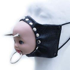 Creepy doll mask Source by fashion Gothic Fashion, Diy Fashion, Ideias Fashion, Fashion Dolls, Bjd Doll, Bratz Doll, Dolls Dolls, Mode Emo, Creepy Masks
