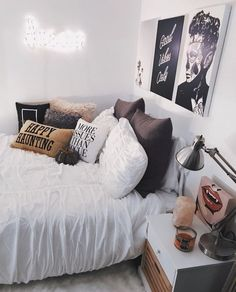 Halloween Bedroom Décor Ideas That Inspire Dream Rooms, Dream Bedroom, Home Bedroom, Girls Bedroom, Magical Bedroom, Bedroom Apartment, Modern Bedroom, Master Bedroom, Halloween Bedroom