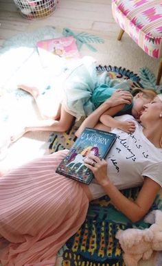 love the pinks and blues in this sweet mother/daughter photo
