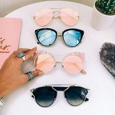 Image about fashion in Acessories💁💍👜👓 by annatarbekyan_a Girl With Sunglasses, Cool Sunglasses, Ray Ban Sunglasses, Cat Eye Sunglasses, Mirrored Sunglasses, Round Sunglasses, Sunglasses Women, Summer Sunglasses, Sunnies