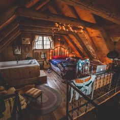 @kylefinndempsey with the perfect dreamer's loft in Wisconsin. Funny how you can almost hear that bed inviting you back in… just a few more minutes. Location: Eagle River, Wisconsin