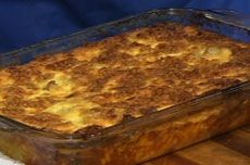 Try this recipe for Egg Noodle Kugel from Martha Stewart on PBS Food. Passover Recipes, Jewish Recipes, Easter Recipes, Egg Recipes, Holiday Recipes, Holiday Foods, Recipe For Kugel, Ambrosia Dessert, Israeli Food