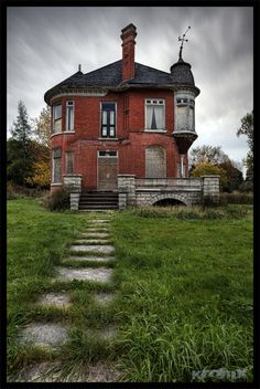 Forgotten old Victorian home