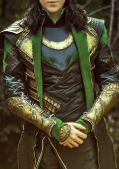 Loki Cosplay by Silhouette Cosplay Sorry not sorry for the Loki spam. This detail shot though. :3