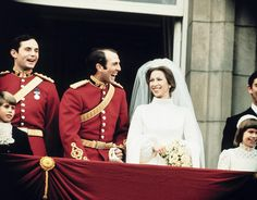 Princess Anne & Capt Mark Phillips on the balcony of Buckingham Palace after their wedding.