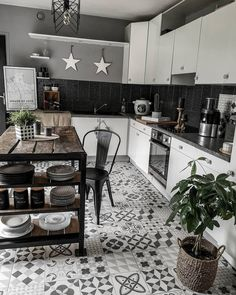 28 Trendy Boho Kitchen Decor Ideas to Give Your Space New Life - Betherelove Kitchen Wall Colors, Kitchen Decor, Boho Chic Interior, Living Room Tv Unit Designs, Bohemian Kitchen, Ikea, Living Room Modern, Living Rooms, Chic Bathrooms