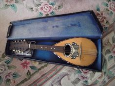 Antique LUIGI D AMORE NAPOLI mandolin mother of pearl inlay