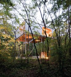 Go Hasegawa - House in a forest, Nagano 2006. Photos (C) Iwan Baan.