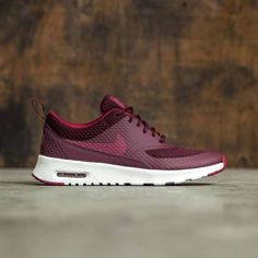 100% authentic af9a9 ea123 With its sleek, tonal look and lightweight comfort, the Nike Air Max Thea  Textile Womens Shoe will complete any outfit with chic style and a  minimalist ...