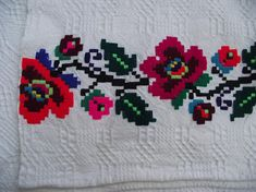 Antique Romanian table runner Natural homespun towel Organic Health products Towel with Red Embroidery Romania Good Day To You, Cross Stitch Flowers, How To Make Wreaths, Traditional Wedding, Table Runners, Hand Embroidery, Health Products, Old Things, Towel