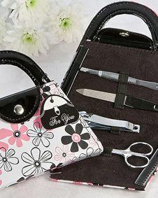 Perfectly Polished Purse Manicure Set. http://www.bluerainbowdesign.com/WeddingFavorProduct.aspx?ProductID=PR031612174999KelowSXimenaBRD40081=pinterest
