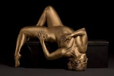 Plus Size Art: Metallic Curves by Photographer Silvana Denker http://thecurvyfashionista.com/2017/02/plus-size-art-metallic-curves-silvana-denker/   Looking for strikingly beautiful and inspirational plus size art? Please take a peek at the latest body positive project, Metallic Curves by Photographer Silvana Denker!