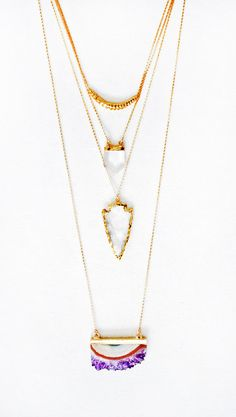 Crystal Quartz Arrowhead Necklace por keijewelry en Etsy, $59.00