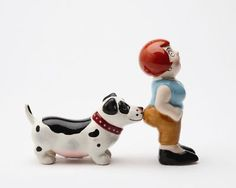 MAGNETIC-SALT-PEPPER-SHAKERS-A-LADY-AND-THE-TRAMP-CUTE