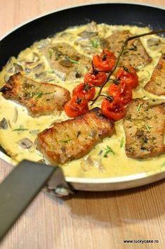 Cotlet de porc in sos de ciuperci - Lucky Cake Pork Recipes, Baby Food Recipes, Cooking Recipes, Healthy Recipes, Lucky Cake, Mini Pizza, Romanian Food, Food Goals, Soul Food