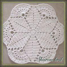 Grey Patio Porch Cord Crochet Rug in Round Pineapple Pattern Crochet Bikini Pattern, Crochet Doily Patterns, Crochet Blocks, Crochet Designs, Crochet Stitches, Love Crochet, Crochet Lace, Crochet Mandela, Crochet Dollies