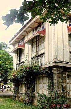 Filipino House, Filipino Art, Spanish Colonial Homes, Spanish House, Filipino Architecture, Philippine Houses, Cafe House, Enchanted Home, Tropical Houses