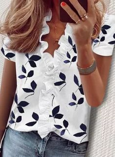 Womens Fashion Online, Latest Fashion For Women, Ladies Fashion Tops, Mode Outfits, Casual Outfits, Casual Clothes, Blouse Styles, Short Sleeve Blouse, Long Sleeve
