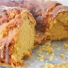 Irish Cream Bundt Cake -Great tasting glazed Bundt cake with Irish cream baked in. Excellent for any time or any occasion