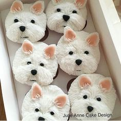 Dog cupcakes // Baking change in the lives of Canadian animals! Raise funds for animals in need - Register as a host and celebrate on February 26, 2018! www.nationalcupcakeday.ca