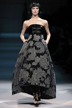 See the complete Armani Privé Spring 2009 Couture collection.