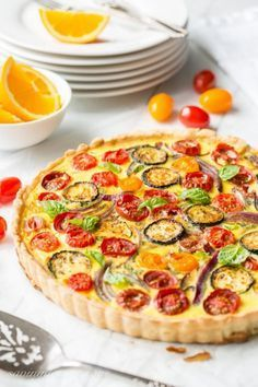 Farmers' Market Quiche with Zucchini, Tomatoes, Onion and Fresh Basil Fresh and delicious. Quiche Recipes, Egg Recipes, Brunch Recipes, Cooking Recipes, Recipies, Dinner Recipes, Vegetable Quiche, Vegetable Recipes, Vegetarian Recipes