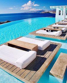 Mornings in Mykonos! #luxuryvacations #mykonos @pilotmadeleine