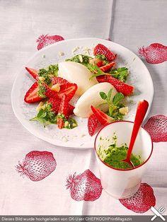 Buttermilchmousse mit Erdbeeren und Nusspesto, ein raffiniertes Rezept aus der Kategorie Dessert. Bewertungen: 39. Durchschnitt: Ø 4,6.