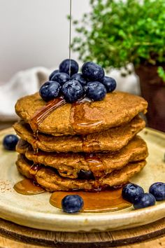 These stick-to-your-ribs Hearty Blueberry Oat Pancakes are so healthy and delicious. The whole family will be seated at the breakfast table in a flash! Types Of Pancakes, How To Make Pancakes, Blueberry Pancakes, Pancakes And Waffles, Blueberry Water, Organic Maple Syrup, Plant Based Breakfast, Unsweetened Applesauce, Vegan Gluten Free