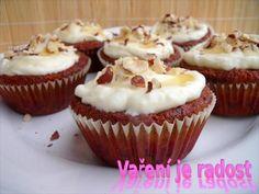 Zobrazit detail - Recept - Cupcake s medem a karotkou Muffin, Cupcakes, Breakfast, Food, Detail, Morning Coffee, Cupcake Cakes, Essen, Muffins