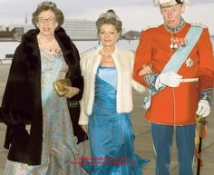 Count Ingolf of Rosenborg with his wife, Countess Sussie (ctr) and sister Princess Elisabeth of Denmark.  Photo: BilledBladet.dk