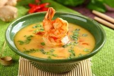 recipe_for Thai rákleves Thai Shrimp Soup, Scampi, Soups And Stews, Cheeseburger Chowder, Thai Red Curry, Lime, Menu, Cooking, Ethnic Recipes