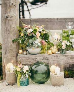Inspiração Tullier: Cartela de cores com tons de verde, rosa, branco e dourado combinam muito com casamentos em estilo boho-chic e rústico na praia ou no campo. Para compor o visual, suculentas, flores, muita folhagem, velas e vidro combinados com madeira.