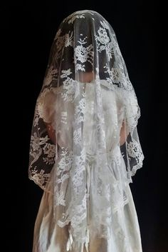 Clare - Cascading Chantilly Lace Mantilla - Veils by Lily First Communion Banner, First Communion Veils, Holy Communion Dresses, Communion Gifts, First Holy Communion, Communion Banners, Chapel Veil, Chantilly Lace, Dress Patterns