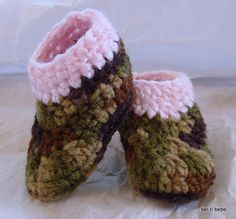 Camo and Pink Baby booties ... Because Girls hunt too!