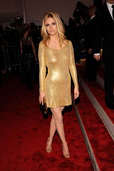This looks almost like my silver sparkly dress I wore for last year's Hed Kandi World Tour. I love! <3